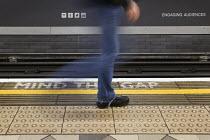 Mind the gap, Bank Station, London underground Central Line platform. London. - Jess Hurd - 04-02-2014