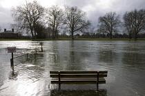 Thames flooding, Datchet, Surrey. - Jess Hurd - 16-07-2007