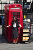 Christian woman preaching The Bible, The Strand, London. - Jess Hurd - 25-07-2014