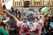 Protest in support of Gaza outside the Israeli Embassy, called by the Palestine Solidarity Campaign. London. - Jess Hurd - 01-08-2014