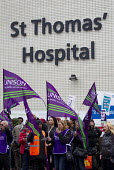 NHS public service workers strike in a dispute over pay. St Thomas' Hospital, London. - Jess Hurd - 13-10-2014