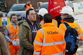 Graeme Smith, sacked Unite shop steward watches colleagues cross an unofficial picket line after a they received a management letter threatening them with the sack. 11 electricians were made redundant... - Jess Hurd - 15-12-2014