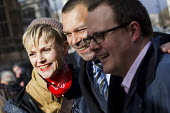 Paul Nowak TUC and Ian Lawrence NAPO with Maxine Peake. Defend the Magna Carta. Justice Alliance, Relay for Rights along the Thames from Runnymede, the birthplace of the Magna Carta to the Global Law... - Jess Hurd - 23-02-2015