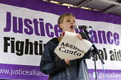 Maxine Peake. Defend the Magna Carta. Justice Alliance, Relay for Rights along the Thames from Runnymede, the birthplace of the Magna Carta to the Global Law Summit. Against cuts to legal aid. London. - Jess Hurd - 23-02-2015