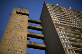 Balfron Tower, a 1967, 27-storey residential building designed by architect, Erno Goldfinger in Poplar, East London. An example of Brutalist architecture. Originally social housing, it is now run by P... - Jess Hurd - 06-03-2015