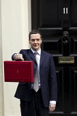 The Chancellor, George Osborne leaves 11 Downing Street to deliver his Budget to Parliament. Westminster, London. - Jess Hurd - 2010s,2015,Budget Box,CONSERVATIVE,Conservative Party,conservatives,deliver,leaves,London,Ministerial Box,mp,mps,POL,political,politician,politicians,Politics,Street,Westminster