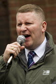 Paul Golding with supporters of Britain First and EDL gather to oppose Anjem Choudary, whose group hands out leaflets urging Muslims not to vote. Central London mosque. Regents Park. London. - Jess Hurd - 03-04-2015