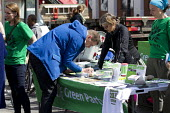 Green Party stall, Brixton. South London. - Jess Hurd - 25-04-2015