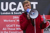 Stephen Timms MP. International Workers Memorial Day rally beside the Building Worker statue, Tower Hill, London. - Jess Hurd - 2010s,2015,accidents at work,activist,activists,Building,BUILDINGS,CAMPAIGN,campaigner,campaigners,CAMPAIGNING,CAMPAIGNS,construction,Construction Industry,death,deaths,DEMONSTRATING,Demonstration,DEM