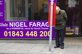 UKIP election campaigning for Nigel Farage in Thanet. - Jess Hurd - 2010s,2015,campaign,campaigning,CAMPAIGNS,DEMOCRACY,election,elections,electorate,eurosceptic,Euroscepticism,eurosceptics,far right,far right,General Election,POL,political,POLITICIAN,POLITICIANS,Poli