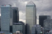 Storm clouds gather over Canary Wharf and the financial buildings in the London Docklands. Poplar, East London. - Jess Hurd - 2010s,2015,America,American,americans,Bank,banking,Banks,Barclays Bank,blocks,buildings,CITI,Citibank,cities,Citigroup,City,Citygroup,cityscape,cityscapes,CLOUD,clouds,EBF,Economic,Economy,Finance,FIN