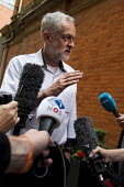 Jeremy Corbyn speaking to media before Quiz Corbyn meeting Ealing Town Hall London - Jess Hurd - 17-08-2015