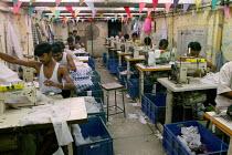 Textiles factory Mumbai India - Jess Hurd - 18-01-2004