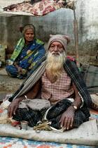 A family living on the street, Mumbai India - Jess Hurd - 18-01-2004