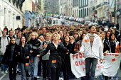 French School pupils from the town of Bologne take one day strike action, along with others nationally over the governments failure to reverse education cuts especially class sizes. - Jess Hurd - 07-10-1999