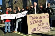 Ford Dagenham car workers lobby pay talks as 400 go on strike in a dispute over bonus pay. London - Jess Hurd - 1990s,1999,activist,activists,aeeu,asian black,BME black,CAMPAIGN,campaigner,campaigners,CAMPAIGNING,CAMPAIGNS,Dagenham,DEMONSTRATING,demonstration,DEMONSTRATIONS,dispute,disputes,ethnic,ETHNICITY,For