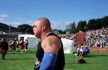 Heavy Athletics, Cowal Highland Gathering, Dunoon, Scotland. - James Jenkins - 31-08-2002