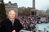Ken Livingstone, Mayor of London, at the Rugby World Cup Champions England' London Victory Parade, Trafalgar Square, London. - James Jenkins - 08-12-2003
