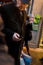 Man using mobile phone. - Paul Carter - 05-12-2011