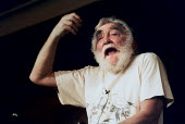 Dr David Bellamy giving a lecture. - Paul Carter - 2000,2000s,activist,ACTIVISTS,beard,BEARDED,BEARDS,biologist,botanist,botany,CAMPAIGN,campaigner,campaigners,CAMPAIGNING,CAMPAIGNS,celebrity,communicating,communication,conservationist,ecologist,EDU E