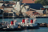 View of an industrial unit and boats. Southampton, Hampshire. - Paul Carter - 17-09-2003