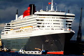 The QM2, on the day of her maiden voyage. - Paul Carter - 07-01-2004
