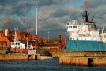 An aggregates ship in Southampton docks. - Paul Carter - 12-01-2004