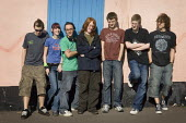 Casual portrait of a group of teenagers. - Paul Carter - 11-03-2007