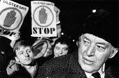 Loyalist one day Strike against Anglo-Irish Agreement. Shortly after midnight, Ian Paisley visits the picket line at Harland and Wolff, Belfast. - John Sturrock - ,1980s,1986,against,cities,city,Democratic Unionist Party,DISPUTE,DISPUTES,DUP,First Minister,INDUSTRIAL DISPUTE,Irish,loyalist,Loyalists,man men,men man,mp mps,Northern Ireland,picket,PICKETING,picke