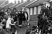 Mass picket, Cortonwood Colliery, Yorkshire - John Sturrock - 29-01-1985