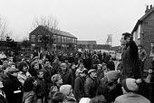 Ian Mitchel speaking to pickets who mass picket in defiance of an injunction, Frickley colliery, South Elmsal, Yorkshire Miners Strike. Mass picket inspite of an injunction. - John Sturrock - 1980s,1985,ACTIVIST,activist activists,ACTIVISTS,CAMPAIGN,campaigner,campaigners,CAMPAIGNING,CAMPAIGNS,collieries,colliery,DISPUTE,DISPUTES,europeregi,INDUSTRIAL DISPUTE,injunction,left wing,leftwing,