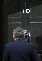 Gordon Brown outside 10 Downing Street. London. - Justin Tallis - 07-05-2010