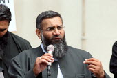 Anjem Choudary speaking at a Shariah for Pakistan protest outside the Pakistani Embassy in Knightsbridge. London. - Justin Tallis - 05-08-2010