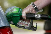 Filling up with unleaded petrol - Justin Tallis - 15-09-2005
