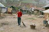 An impoverished Roma Gypsy community in the town of Jibou, Romania. - Justin Tallis - 07-04-2007