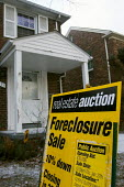 Detroit, Michigan - A house on Detroit's east side being sold at a foreclosure auction. - Jim West - 17-01-2005