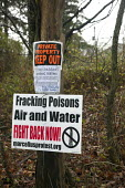 Washington, Pennsylvania - A sign posted by a rural land owner opposing hydraulic fracturing (fracking), a technique common in southwestern Pennsylvania. Fracking increases natural gas production, but... - Jim West - 29-11-2011