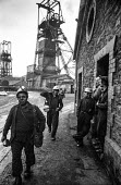 Miners at Oakdale colliery, South Wales leaving work. - Martin Mayer - 05-01-1972
