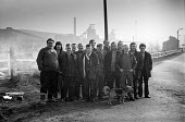 Pickets at Cadeby colliery, South Yorkshire, 1974 miners strike. - Martin Mayer - 04-03-1974