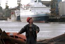 Shipyard worker Swan Hunter Shipbuilders, Wallsend, Tyne and Wear 1999 - Mark Pinder - 09-02-1999