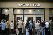 Northern Rock Bank liquidity crisis. Savers with the Northern Rock Bank queue outside the Bank's Market Street branch in Newcastle Upon Tyne, the city in the north of England where the bank is headqua... - Mark Pinder - 2000s,2007,a,bank,banking,banking crisis,banks,credit crunch,customer customers,DOWNTURN,EBF Economy buisness finance,economic,economy,finance,FINANCIAL,financial crisis,man men,Market,money,mortgage