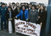 Miners wives and girlfriends picket their pit, Askern colliery near Doncaster, South Yorkshire, 1984 miners strike - NLA - 06-10-1984