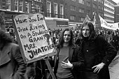 Students march to demand a living grant. London. - NLA - 1970s,1973,activist,activists,CAMPAIGN,campaigner,campaigners,CAMPAIGNING,CAMPAIGNS,cities,city,DEMONSTRATING,demonstration,DEMONSTRATIONS,GRANT,grant.,grants,living,male,man,men,nus,people,person,per
