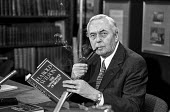 Former Labour Prime Minister Harold Wilson at the launch of his book called The Governance of Britain - Martin Mayer - 1970s,1976,book,BOOKS,Britain,conference,conferences,Governance,Harold,Labour,Labour Party,launch,Minister,of,pol,political,POLITICIAN,POLITICIANS,politics,press,Prime,The,Wilson
