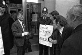 Bill Sirs leader of ISTC steel union being lobbied by his members as he goes into talks with BSC management on cuts and closure proposals - NLA - ,1970s,1976,activist,activists,against,Bill,British Steel,BSC,campaign,campaigner,campaigners,campaigning,CAMPAIGNS,closed,closing,closure,closures,confront,confrontation,confronted,confronting,DEMONS
