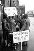 Clay Cross (North Derbyshire) residents supporting their council in refusing to implement the Rent Act which raised council house rents nationally - Peter Arkell - (UDC),1970s,1972,1973,Act,activist,activists,campaign,campaigner,campaigners,campaigning,CAMPAIGNS,Clay,Council,Council Housing,Council Housing,Cross,DEMONSTRATING,demonstration,DEMONSTRATIONS,dispute