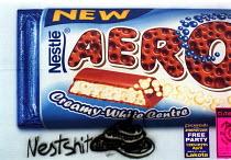 Billboards in Bristol with graffiti. Nestle chocolate aero billboard with graffiti - Paul Box - 02-05-2001