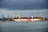 OOCL (Orient Overseas Container Line) Container ship Southampton Water - Paul Box - 07-01-2015