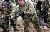 The army fill sand bags at Wraysbury, Berkshire which has been flooded after the Thames burst its banks. - Paul Box - 12-02-2014
