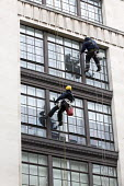 Window cleaners working, Oxford street, London - Paul Box - 15-02-2014